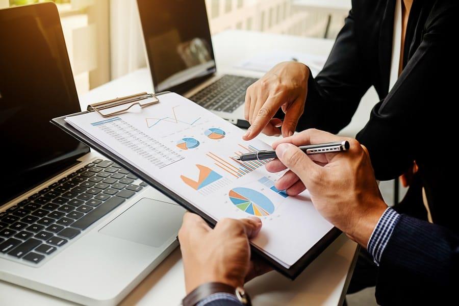 یک مدیر برای مدیریت 2000 قبض شرکت خود چه میزان باید هزینه نماید؟
